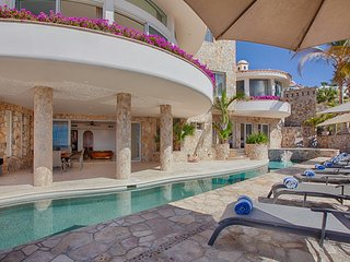 Can you imagine yourself here - pool deck, music, drinks & the sounds of waves.