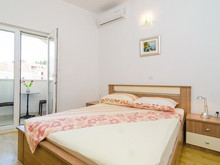 Apartments & Rooms Barisic - Double Room with Balcony and City View(First