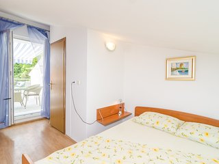 Apartments & Rooms Barisic -  Double Room with Patio and Garden View(Soba s