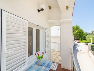 Apartments & Rooms Barisic-Comfort One Bedroom Apartment with Balcony and