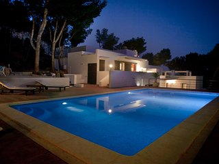 4 bedroom Villa with Pool, Air Con and WiFi - 5047377