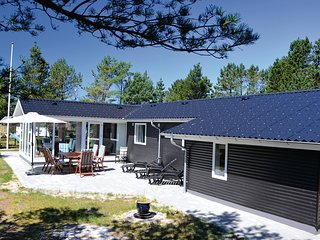 Beautiful home in Vejers Strand w/ Sauna, WiFi and 3 Bedrooms