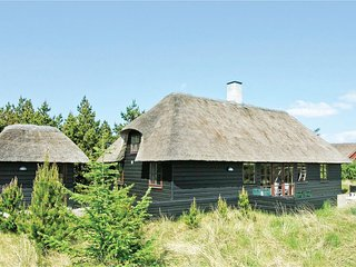 Awesome home in Blåvand w/ Sauna, WiFi and 2 Bedrooms