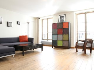 46. SPACIOUS 1BR NEXT TO RUE CLER - CLOSE TO THE EIFFEL TOWER!