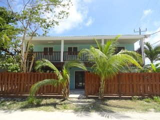 No Snow Chateau - 3 bedroom, 2 bathroom house in the heart of San Pedro