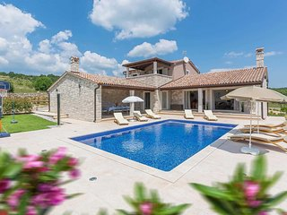 3 bedroom Villa in Mutvoran, Istria, Croatia - 5776057