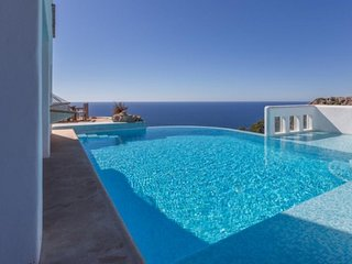5 bedroom Villa with Pool, Air Con and WiFi - 5251919