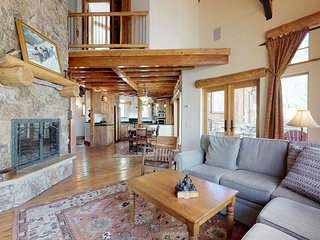 Hand-built mountain view home w/ gas fireplaces, patios, game room