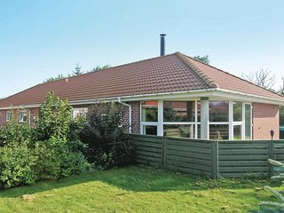 Awesome home in Nørre Nebel w/ 5 Bedrooms (A3507)