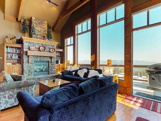 Spacious ski-in/out townhouse with private hot tub and incredible views!
