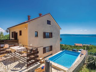 Nice home in Crikvenica w/ WiFi, 6 Bedrooms and Jacuzzi
