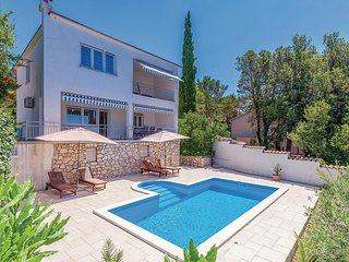 Amazing home in Crikvenica w/ WiFi and 4 Bedrooms