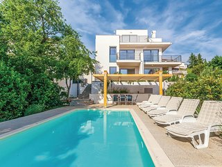 Nice home in Crikvenica w/ WiFi and 4 Bedrooms