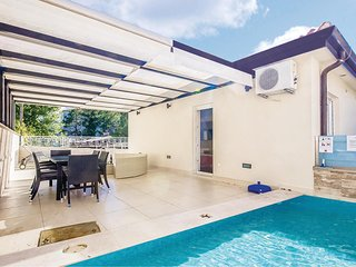 Stunning home in Crikvenica w/ WiFi and 3 Bedrooms (CKC585)