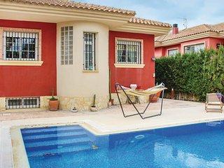 Beautiful home in Lorqui w/ Outdoor swimming pool, WiFi and 3 Bedrooms