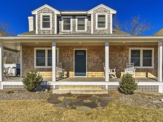NEW! Updated Dennis Port Home - 1 Mi to the Beach!