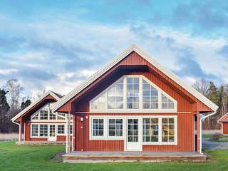 Amazing home in Borgholm w/ 5 Bedrooms