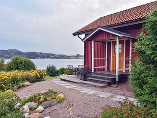 Nice home in Hamburgsund w/ WiFi and 2 Bedrooms