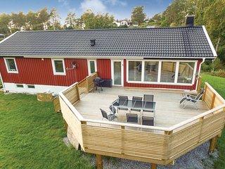 Stunning home in Varekil w/ Sauna, WiFi and 3 Bedrooms