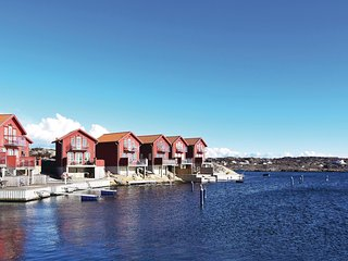 Awesome home in Hällevikstrand w/ 3 Bedrooms (S54185)