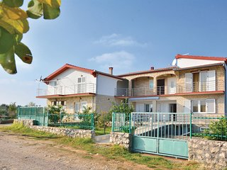 Stunning home in Posedarje-Podgradina w/ 5 Bedrooms (CDN257)