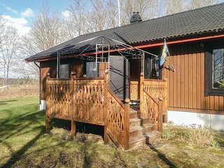 Nice home in Fargelanda w/ Sauna, WiFi and 3 Bedrooms