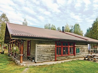 Awesome home in Mellerud w/ Sauna, WiFi and 4 Bedrooms
