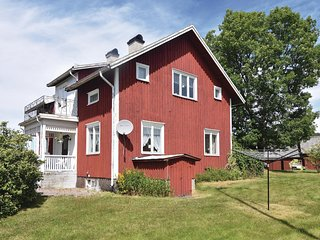 Stunning home in Åmål w/ WiFi and 4 Bedrooms (S57068)