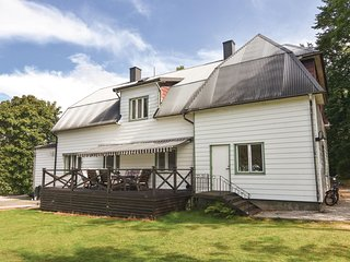 Nice home in Mellerud w/ Sauna, WiFi and 2 Bedrooms