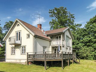 Awesome home in Odeshog w/ Sauna, WiFi and 4 Bedrooms