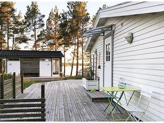 Nice home in Vikbolandet w/ 3 Bedrooms (S60004)