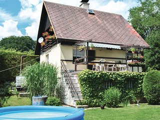 Awesome home in Stary Maletin w/ 2 Bedrooms and Outdoor swimming pool
