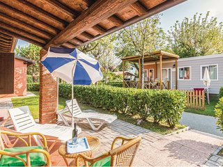 Nice home in Iseo BS w/ WiFi and 2 Bedrooms