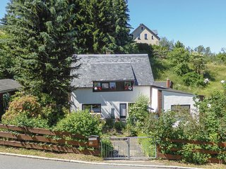 Awesome home in Stutzengrun/Hundshubel w/ 3 Bedrooms (DER120)