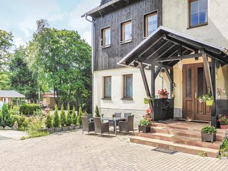 Stunning home in Sehmatal-Neudorf w/ 6 Bedrooms