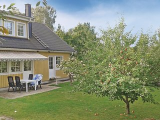 Awesome home in Huddinge w/ 4 Bedrooms