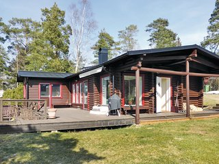 Nice home in Grödinge w/ WiFi, 3 Bedrooms and Sauna