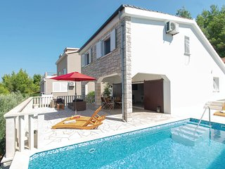 Awesome home in Prigradica w/ WiFi and 2 Bedrooms