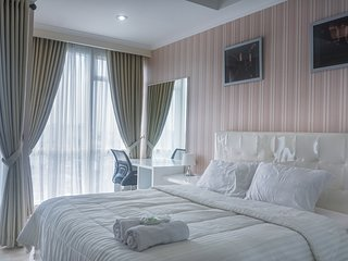 Comfort and Cozy Studio Room at Menteng Park by DailySava