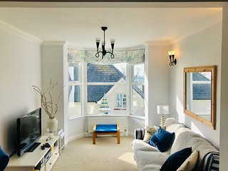 Southgrove View, Family Holiday Home with Sea Views
