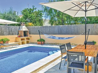 Stunning home in Sa Ràpita w/ WiFi and 4 Bedrooms (EML889)