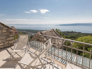 Awesome home in Baska Voda w/ WiFi and 2 Bedrooms