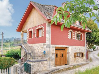 Stunning home in Sevares-Pilona w/ 4 Bedrooms