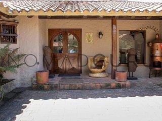 4/4 Cozy Cottage Getaway in La Calera by NOMAD GURU