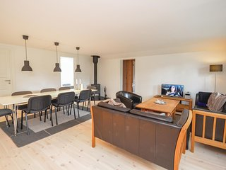 Stunning home in Væggerløse w/ Sauna, WiFi and 5 Bedrooms