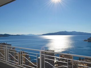 Awesome home in Saranda w/ 2 Bedrooms