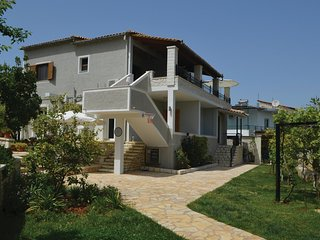 Awesome home in Sarande w/ 2 Bedrooms (ALS062)