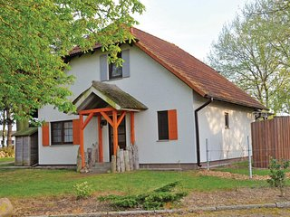 Awesome home in Fuhlendorf w/ 3 Bedrooms