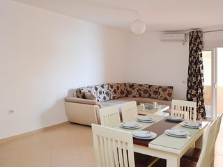 Amazing home in Sarande w/ WiFi and 2 Bedrooms