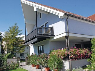 Awesome home in Altenwörth w/ 2 Bedrooms (ANO110)